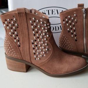 NWT! Steve Madden Dude Boots!!